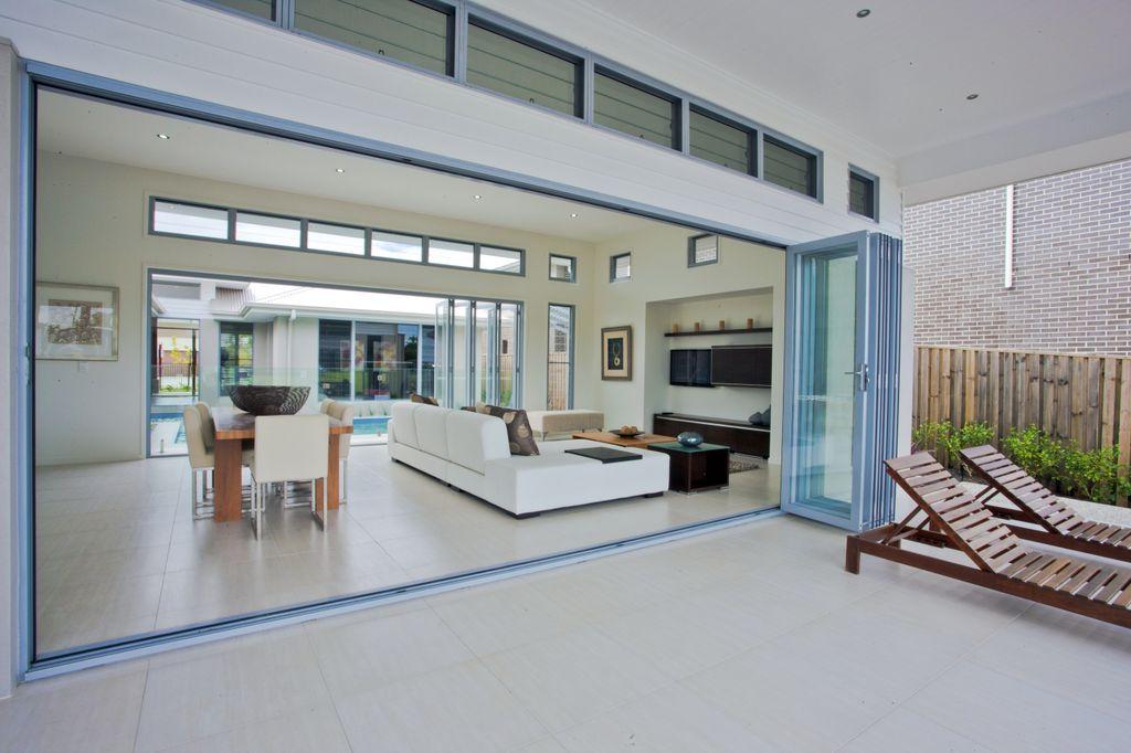Bi-fold-glass-door-melbourne-glazier